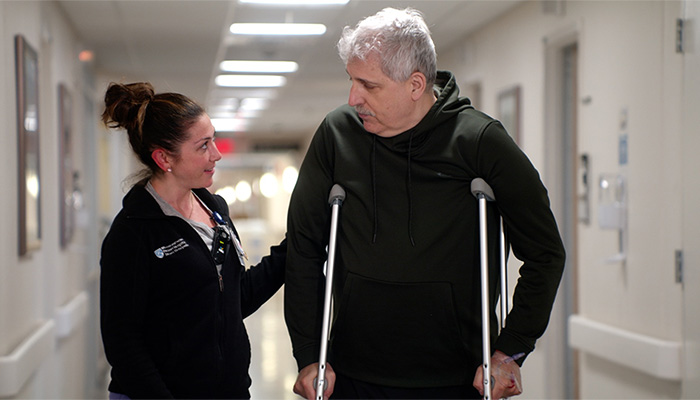 Teamwork Makes Same-Day Joint Replacement Service Possible